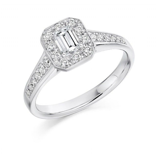 Beautiful Emerald cut antique style ring #emerald #ring #engagement #rings #beautiful #diamonds #diamond #engagementrings #gold #t4l #tagsforlikes #tagsforlike #tfl #tags4like #vsco #vscocam #likeback #follow #followme #ido #wedding #engaged