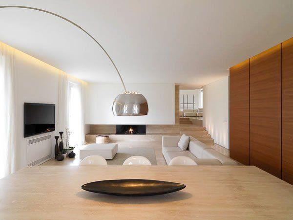 Modernes Wohnzimmer In Weiß Beige - Acro Lampe - Minimalistisch