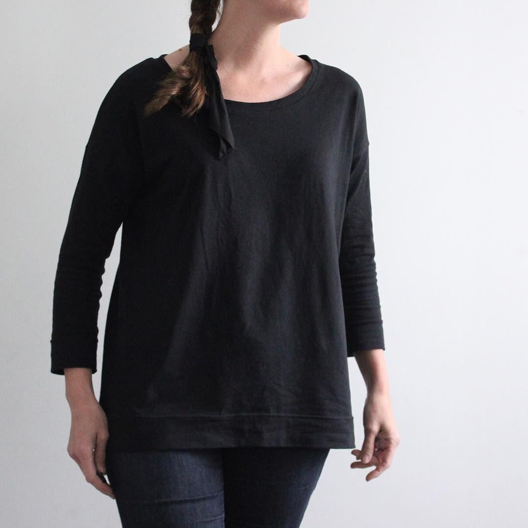 #MMMay16 : Black #hemlocktee (with narrower sleeves) on a dreary Monday.  Fabric: @robertkaufman  Laguna Jersey from @handcraftwrkshp  #grainlinestudio #robertkaufman #memademay by kristi_sweetkm