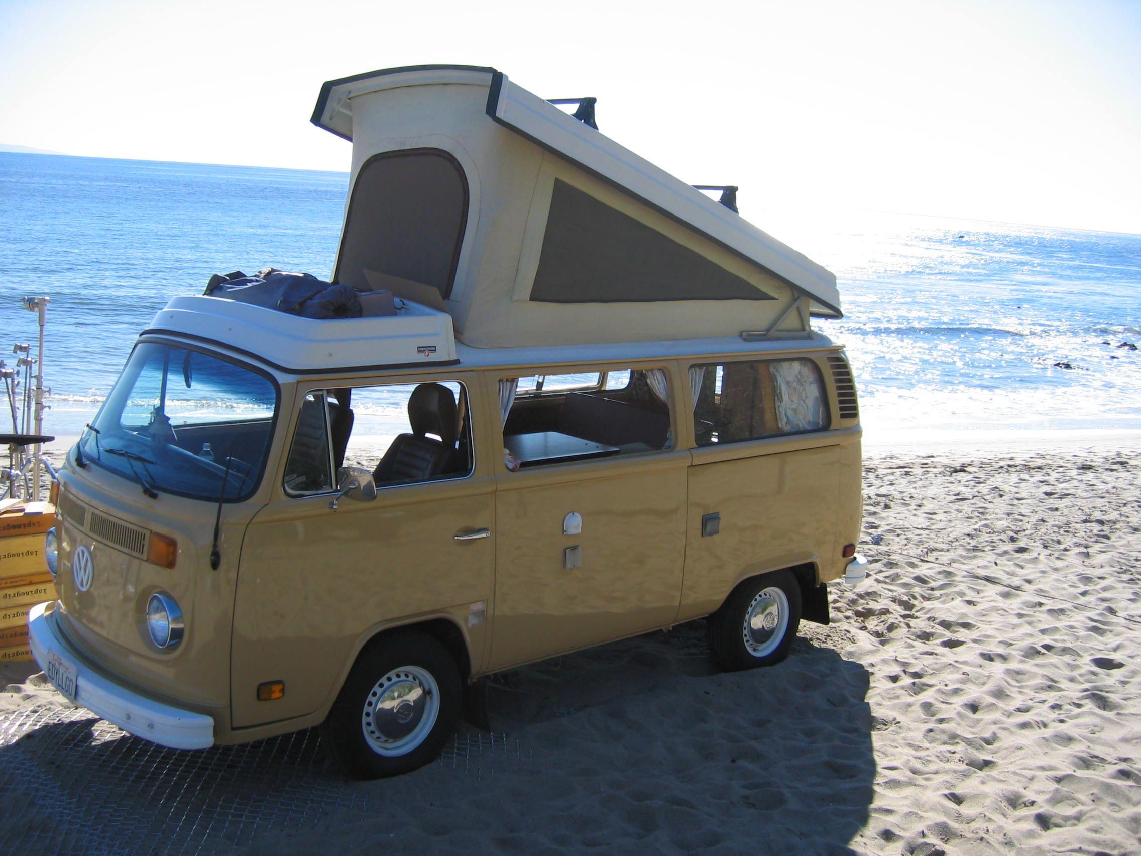 Eddie Vintage Surfari Wagons Kombi Bus camper