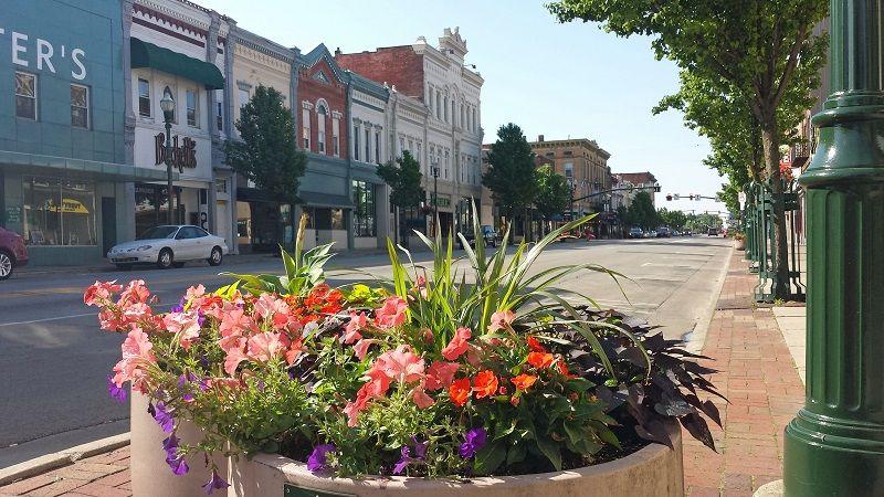Beautiful Downtown Bowling Green Ohio Bowlinggreen Bgsu Bowling Green Ohio Bowling Green Green