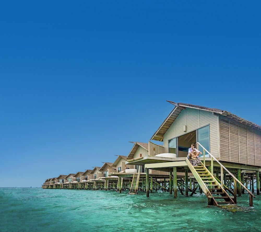 Centara Ras Fushi Resort Spa Maldives Giravaru Mv Reservations Com Maldives Hotel Resort Spa Maldives