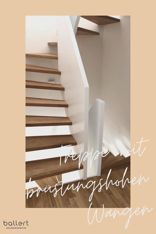 Halbgewendelte Treppe mit großen Geländerscheiben