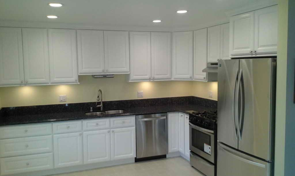 Kitchen Cabinets In Riverside Ca Timeless Kitchen Design Beautiful Interiors By Vickie Barnes Asid Riverside Ca Timeless Kitchen Kitchen Remodel Kitchen Vignettes There S No Waiting For Your Cabinets We