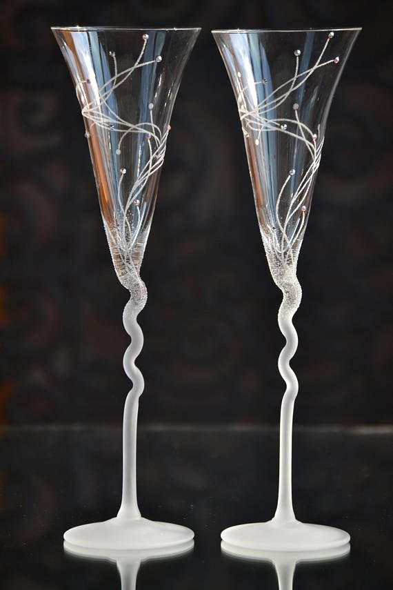 Wedding Champagne Gles Bride And Groom Flutes Hand Painted Swarovski Stones Anniversary Set Of 2