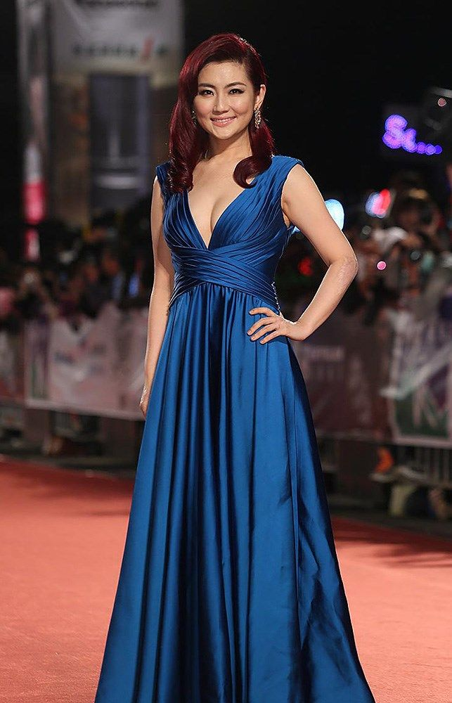 , The 48th Golden Bell Awards ceremony kicked off as glamorous nominees hit the red carpet event in Taipei, Taiwan, October 25, 2013. Taiwanese actress …, Hot Models Blog 2020, Hot Models Blog 2020