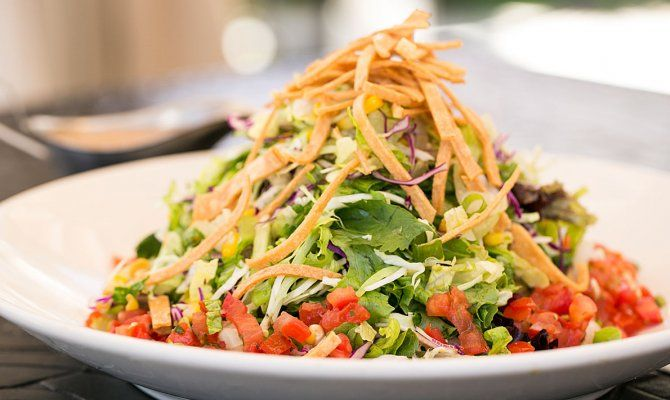 The Cheesecake Factory S Skinnylicious Mexican Tortilla Salad Recipe Cheesecake Factory
