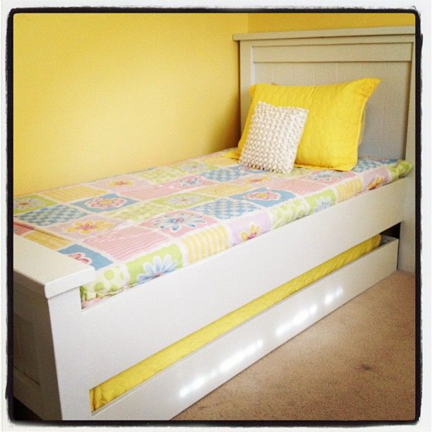 Best Twin Farmhouse With Trundle Do It Yourself Home Projects From Ana White Trundle Beds Diy 640 x 480