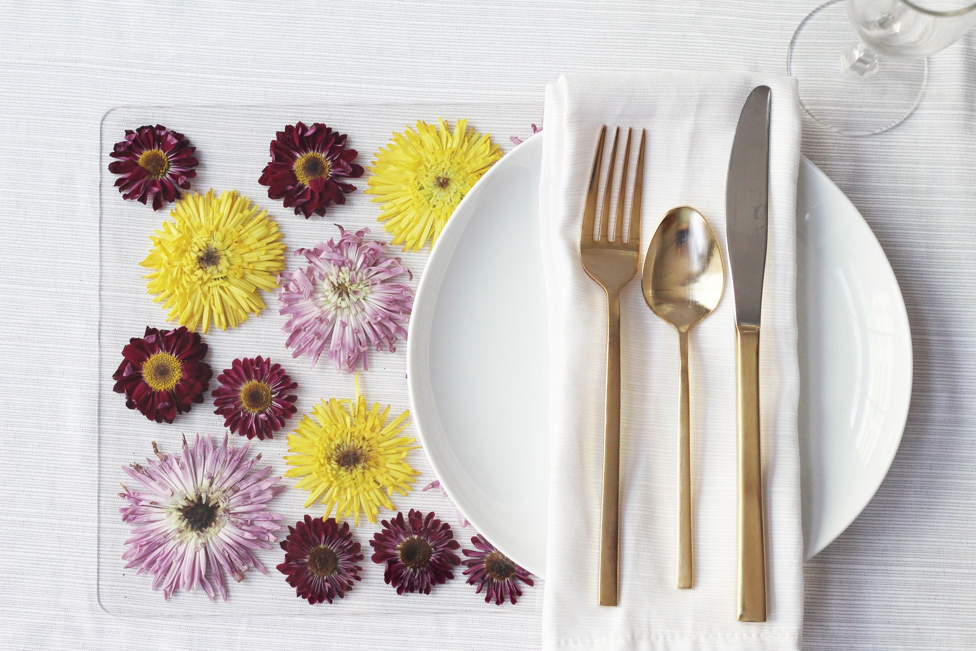 DIY Pressed Flower Placemats | Flower placemats, Pressed flowers diy