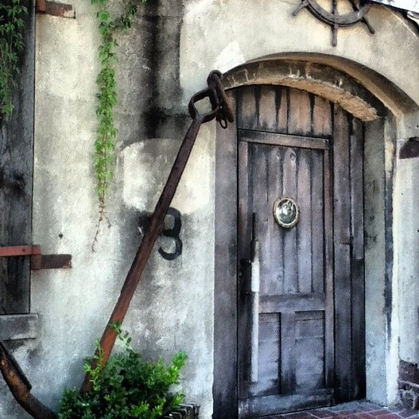This Door Along Savannah S Famous Riverfront Has So Much