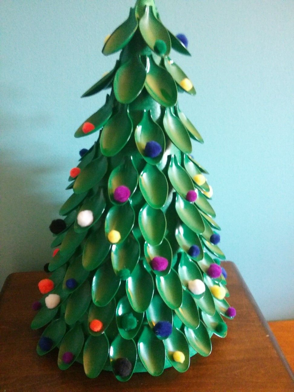 This Is My Diy Christmas Tree With Spoons Supplies Needed Plastic Disposable Spoons Spray Paint Color Of Ch Christmas Diy Christmas Tree Crafts Spoon Crafts
