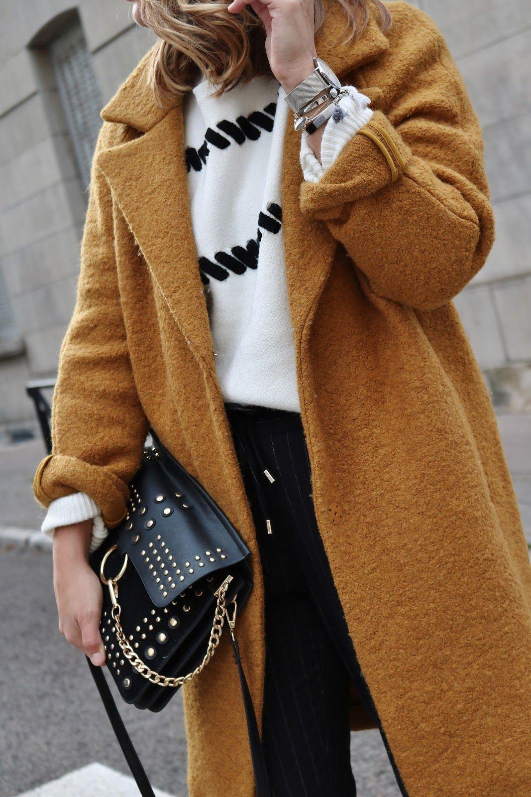 9a4efeadaf9 pauline-dress-blog-mode-tenue-en-manteau -moutarde-hiver-automne-2017-pull-jogger