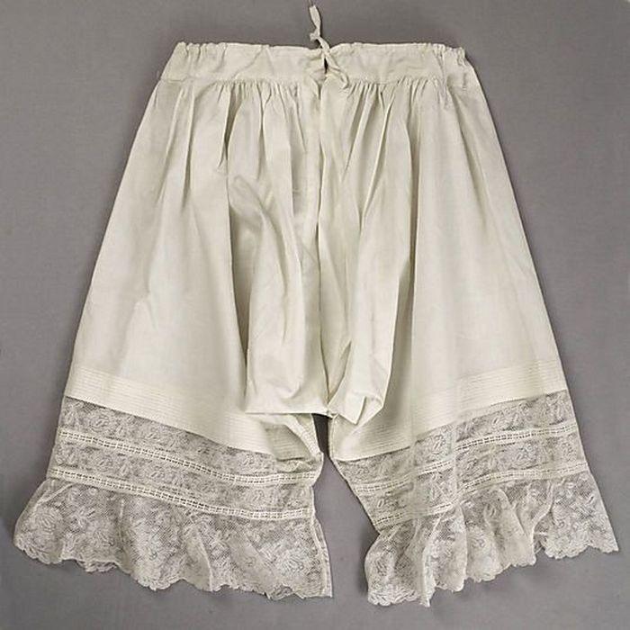 фото женского белья 19 века