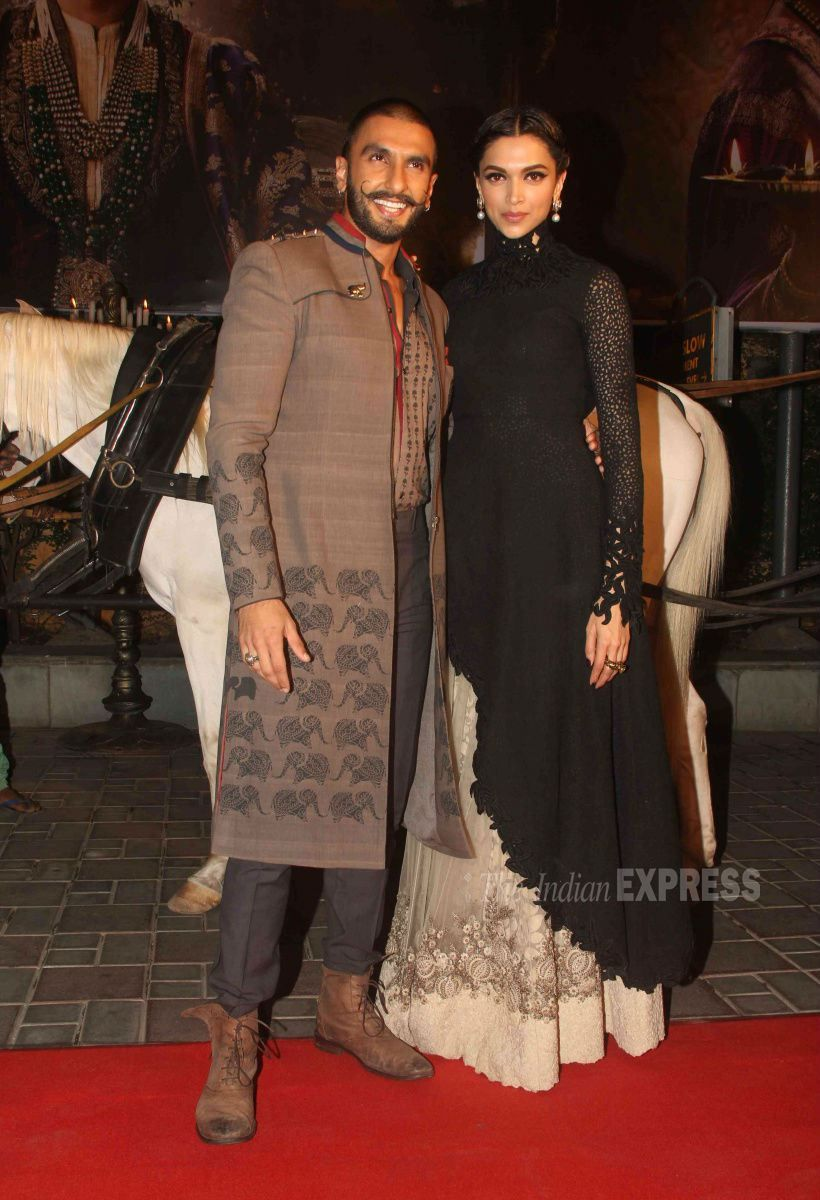 Deepika Padukone Ranveer Singh Are Royal At Bajirao Mastani Trailer Launch Indian Outfits Indian Attire Indian Fashion