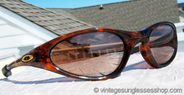 9f70c63787 Vintage Sunglasses For Men and Women - Page 236