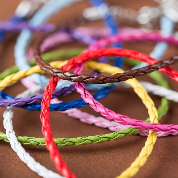 """It's real!  As a thank you for being a loyal follower, I'm giving all of my fans a special FREE gift! This surprise gift retails for $40, but I'm gifting it to you absolutely free. Seriously. No strings attached. CLICK the image above and sign in through your Facebook account. Find the product labeled """"BADGE OF FRIENDSHIP BRACELET"""" and click the """"peeq"""" button. I'll ship you your gift at absolutely no cost!  Don't forget to re-pin and spread the word. (I'd love to give your friends freebies…"""