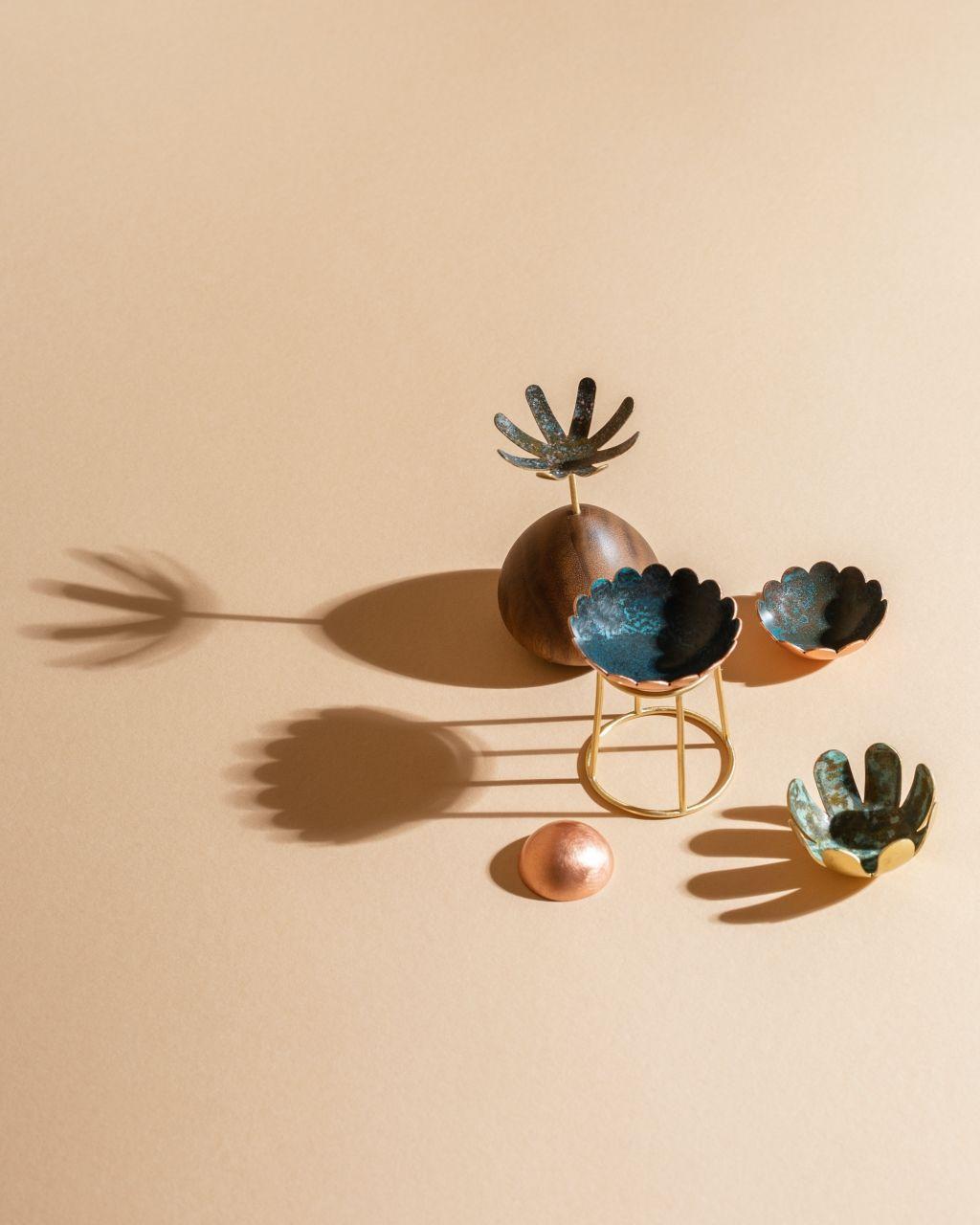 Zen garden of objects for your scattered souls. Photo: @tereza.valner alias @date.collective #vnkvstudio #vnkv #janavonkova #snoveprostory #maleobjekty #ceskydesign #dreamspaces #littleobjects #artdesign #interioraccesories #littlesculptures #handmade #slowdesign #uniquepieces #originalpieces #czechdesign #etsy #setdesign #lagom #unique #tyhashtagymezabijou