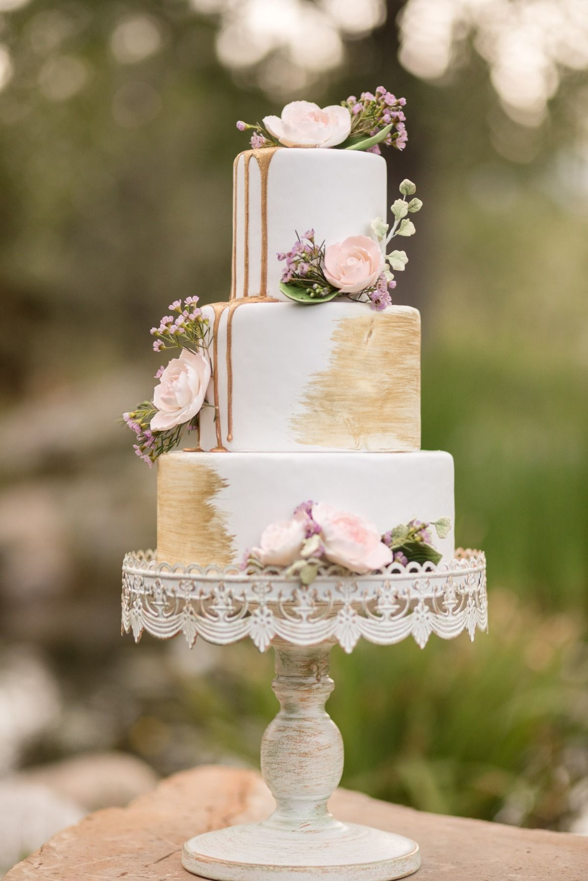 gold brushed and drizzled wedding cake #wedding # ...