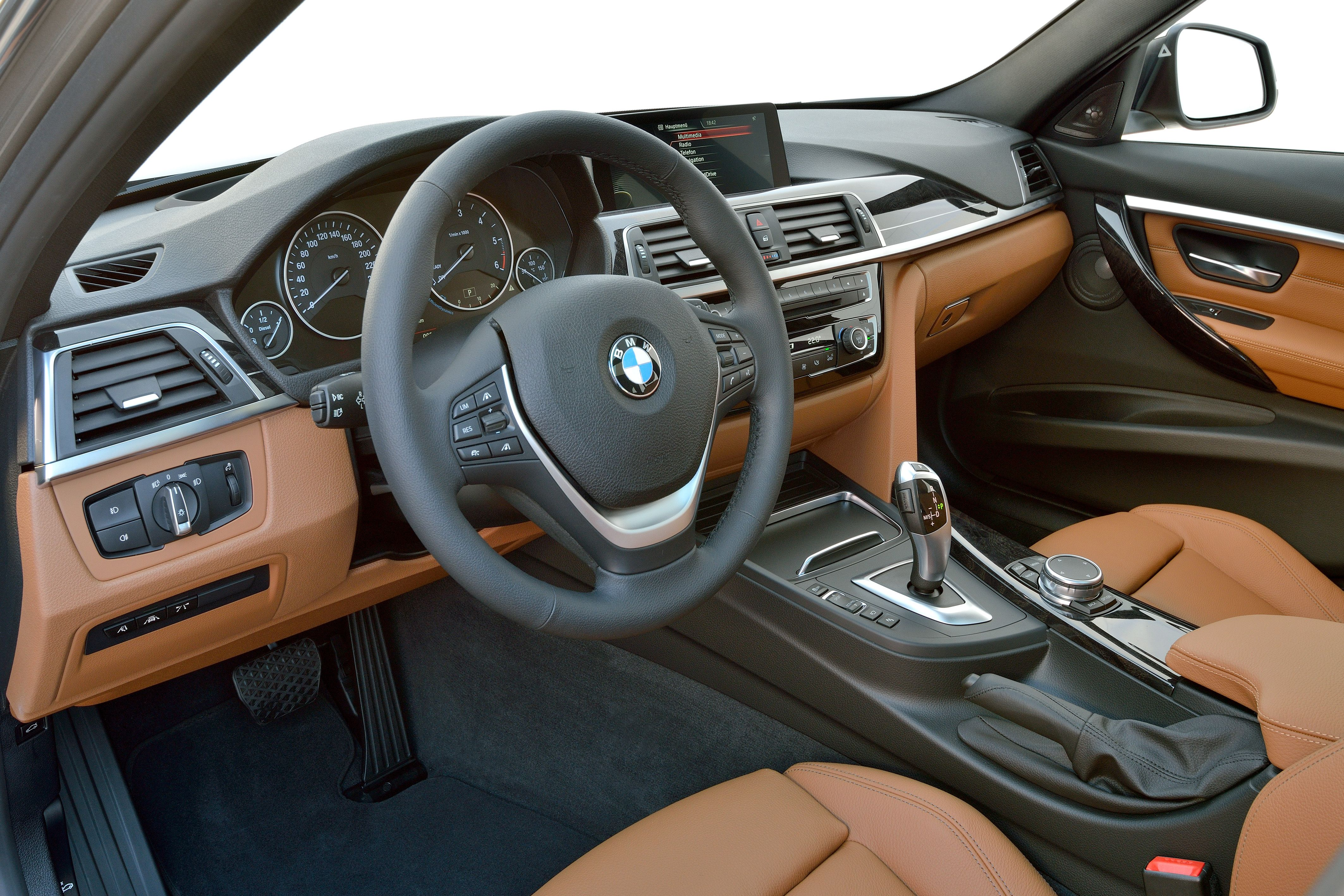 Interior of the 2015 bmw 3 touring luxury line
