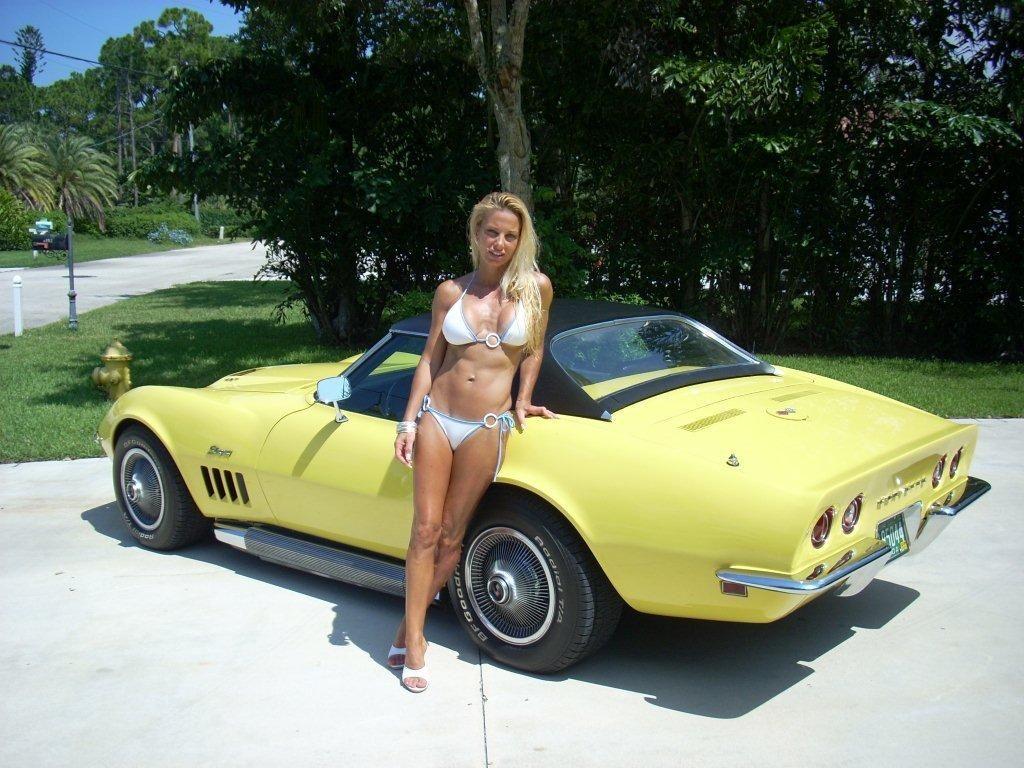 hot girls and corvettes - Corvette Stingray 1969 White