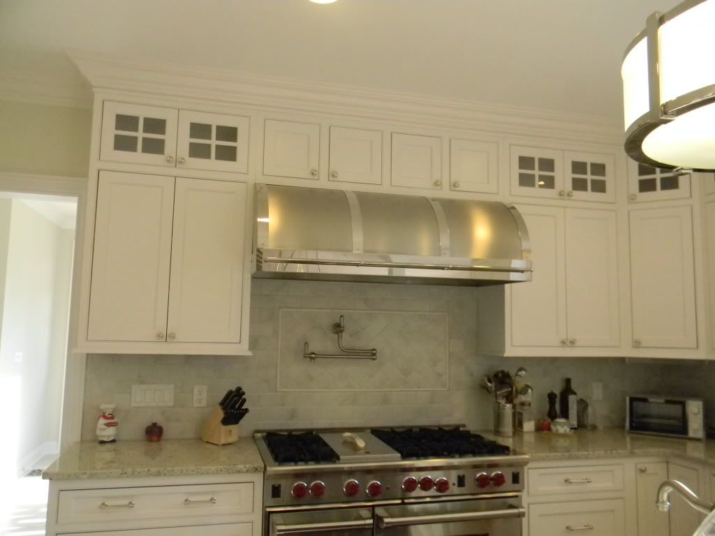 Show Me Your Subway Tile Kitchens Forum Gardenweb Upper Kitchen Cabinets Kitchen Kitchen Remodel