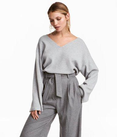V-ringad tröja | Gråmelerad | DAM | H&M SE