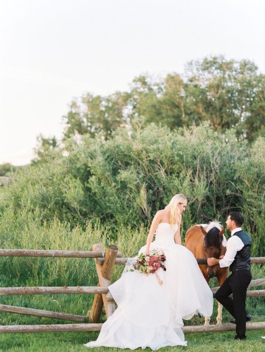 Glamorous western wedding inspiration at brush creek ranch black