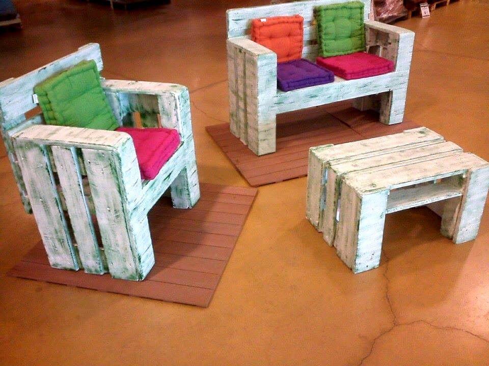 Rustic White Painted Pallet Kids Sitting Set