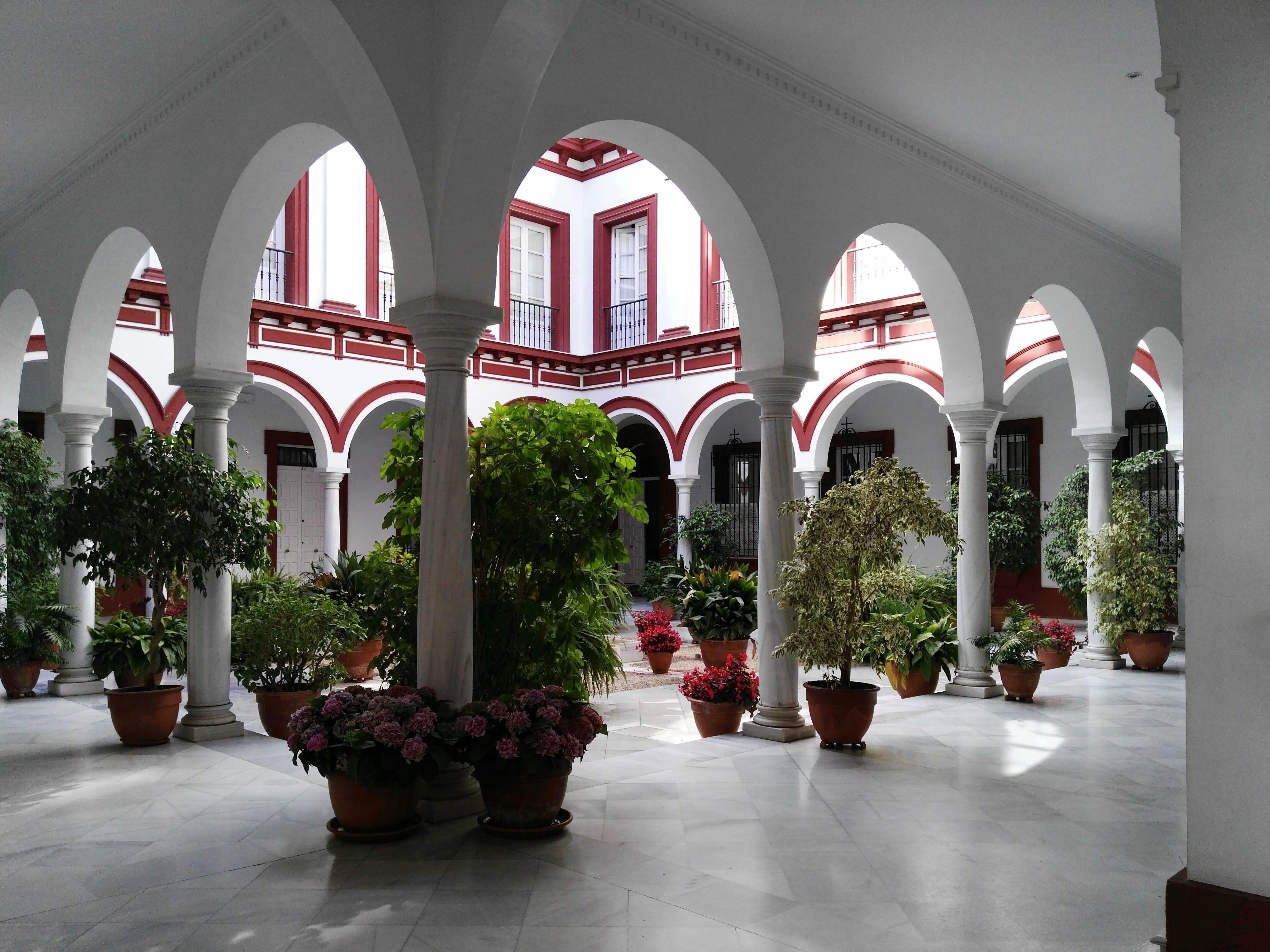 Edificio de oficinas antiguo claustro de san buenaventura - Casas en santa clara sevilla ...