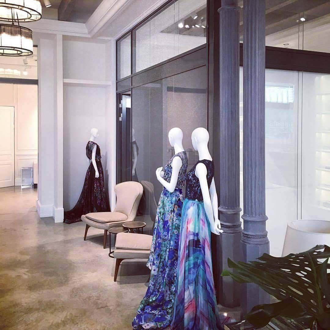 Photo of I går er showklærne allerede i det nye utstillingslokalet ? #daalarnafashionshow #se …