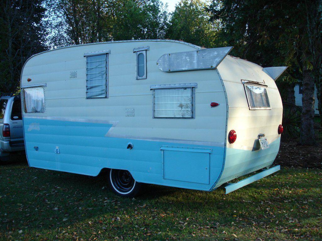Vintage shasta trailers rv life pinterest for Casa rodante clasica