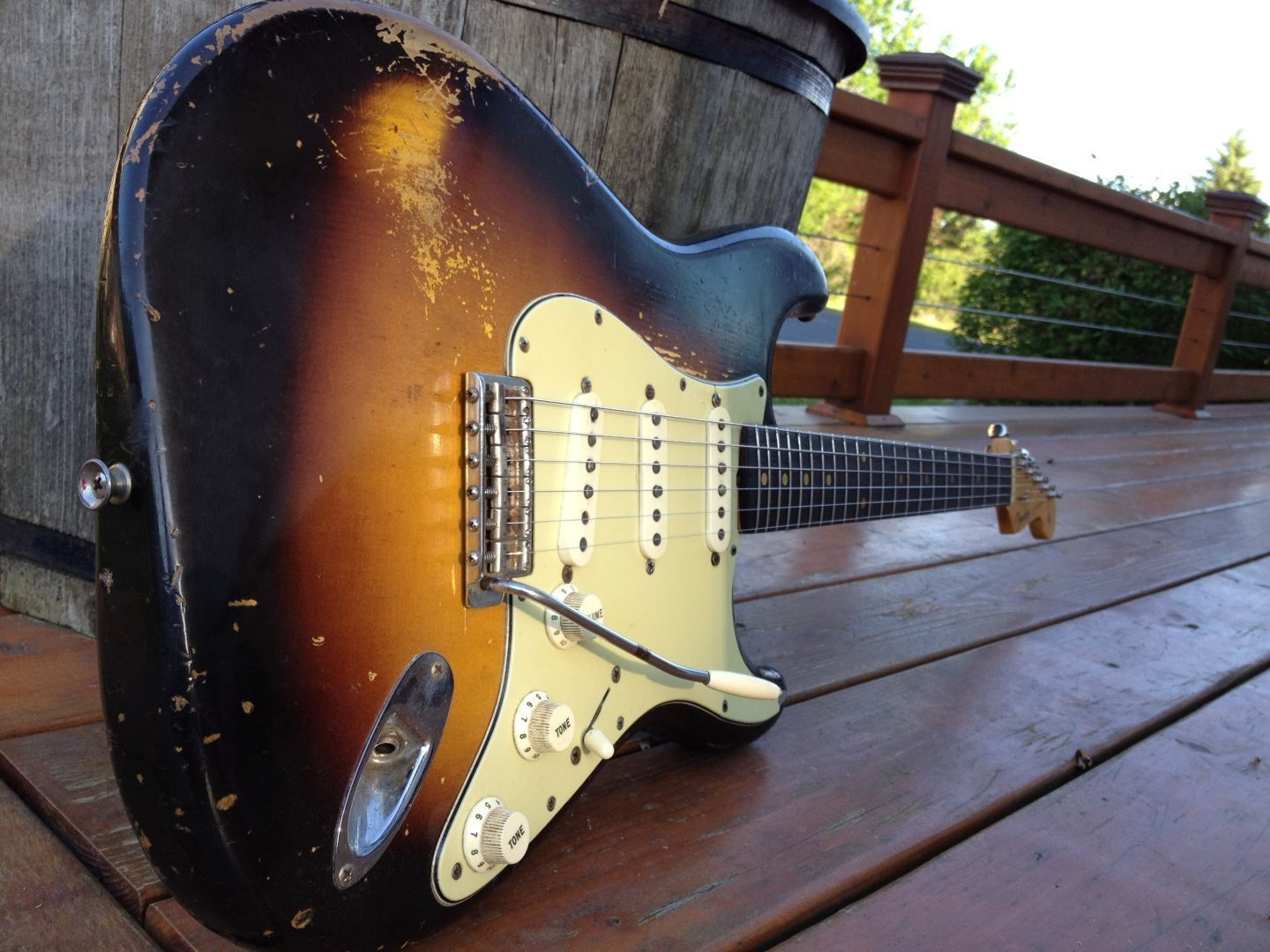 1960 Orig 2 Tone Fender Stratocaster Vintage Strat Pre Cbs Note The Master Guitar Forum Yellow Ish Sealer Or Is It Merely Stain Versus Raw Wood