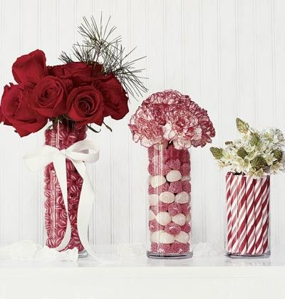 christmas decorating red and white im obsessed with red white christmas decor - White Christmas Flower Decorations