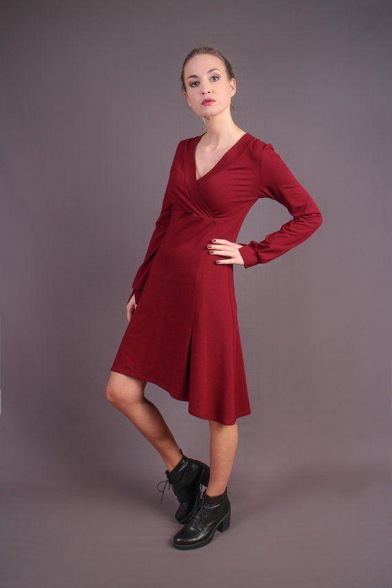 Elegantes rotes Wickelkleid / Weiches Kleid mit langen ...