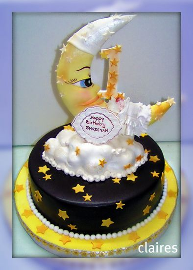 Baby Moon In Gold Description Illustrated shape cakes can be