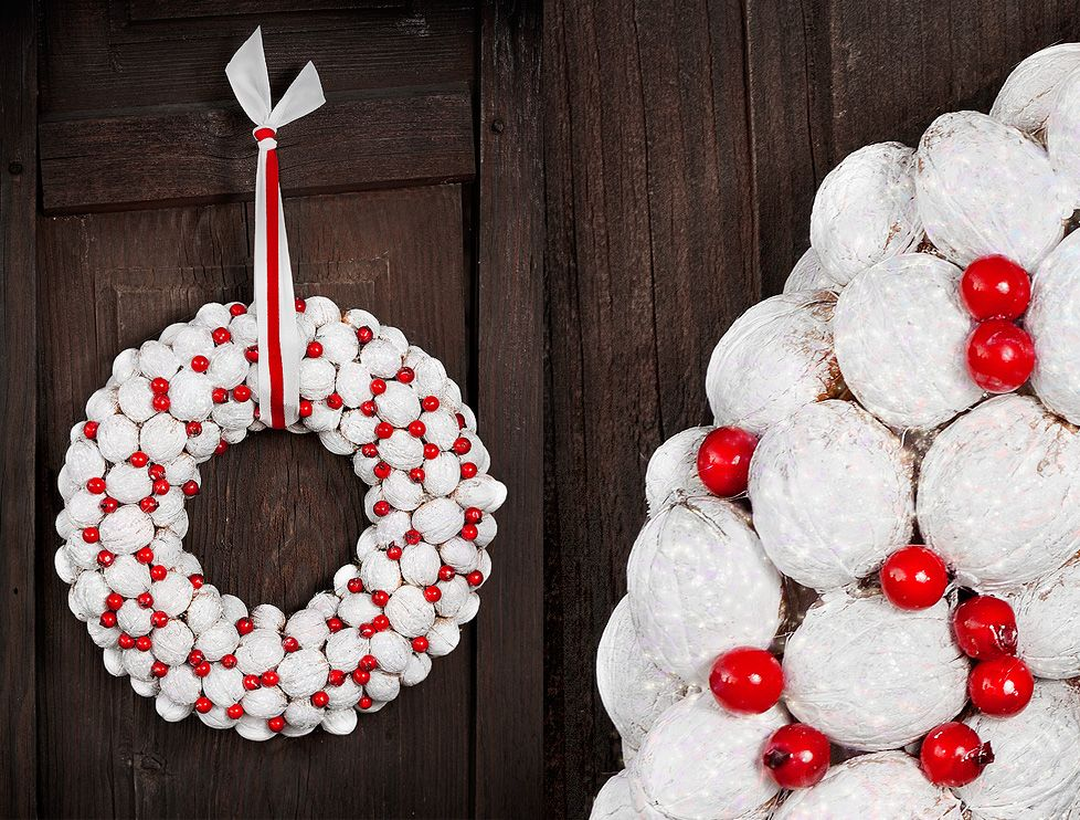 christmas wreath (white walnuts) Wreaths Pinterest Christmas