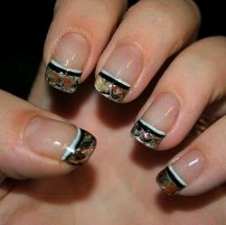 Camo nails. I kinda want these but on the pointer fingure antlers. - Camo Nails. I Kinda Want These But On The Pointer Fingure Antlers