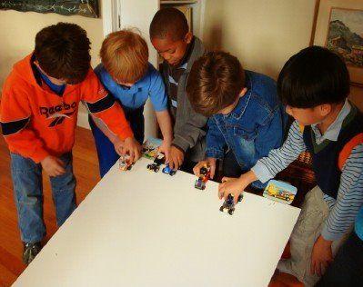 Like Merchant Ships: LEGO Birthday Parties: Use What You Have: rakenna legoauto, kisa,kenen auto menee pisimmälle jne. Palkinnoksi suklaakolikoita