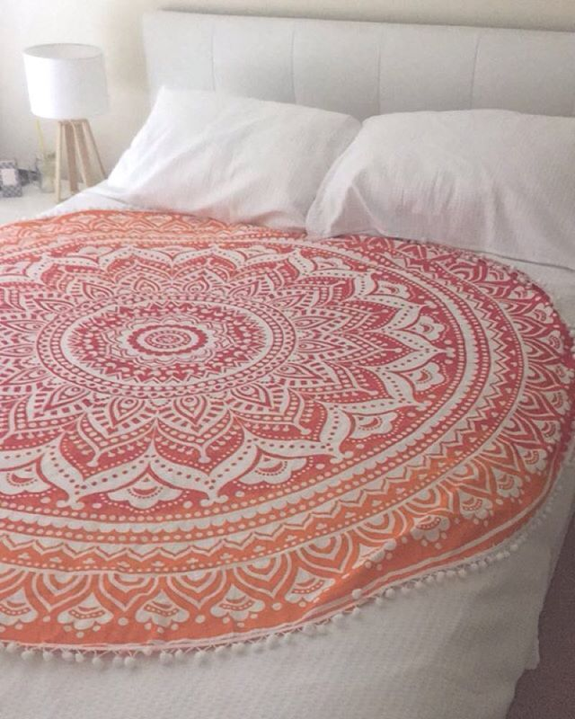 Beach Yoga Blanket: Indian Round Ombre Mandala Beach Throw Blanket Tapestry