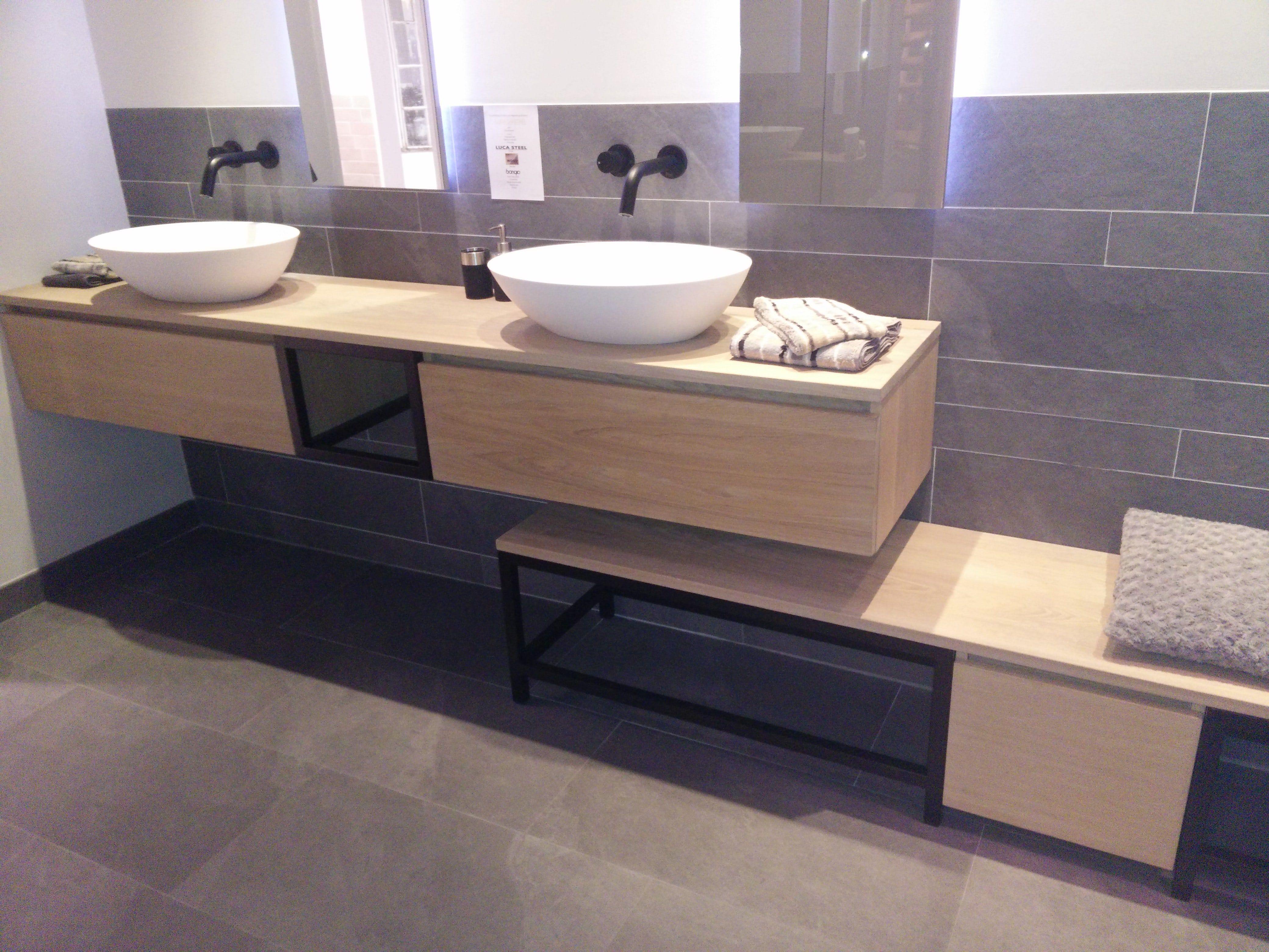 Prachtig badkamer meubel de combinatie van de prachtige