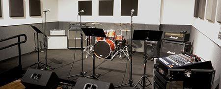 Guitar Center Rehearsal Spaces One In Huntsville Backup Practice Space Idea Rehearsal Room Rehearsal Studios Studio Rental