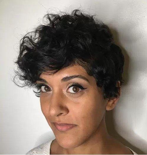 Bildergebnis Für Kurzhaarfrisuren Dickes Welliges Haar Pixie