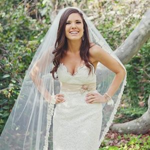 Wedding hair down long veil lace dress wedding pinterest wedding hair down long veil lace dress junglespirit Choice Image