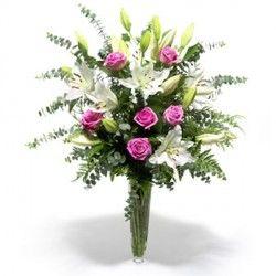 Mazzo Di Fiori A Gambo Lungo.Bouquet Classico Bouquet Floral Floral Wreath