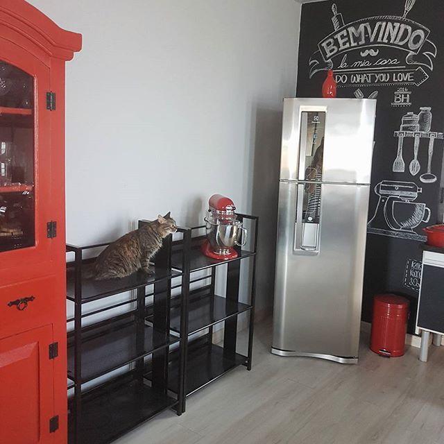 Agora Vai! Montando O Espaço Café . . . . #casa #apartamento #decoração  #cozinha #designdeinteriores #kitchendesign #kitchen #kitchendecor  #paredelousa ...