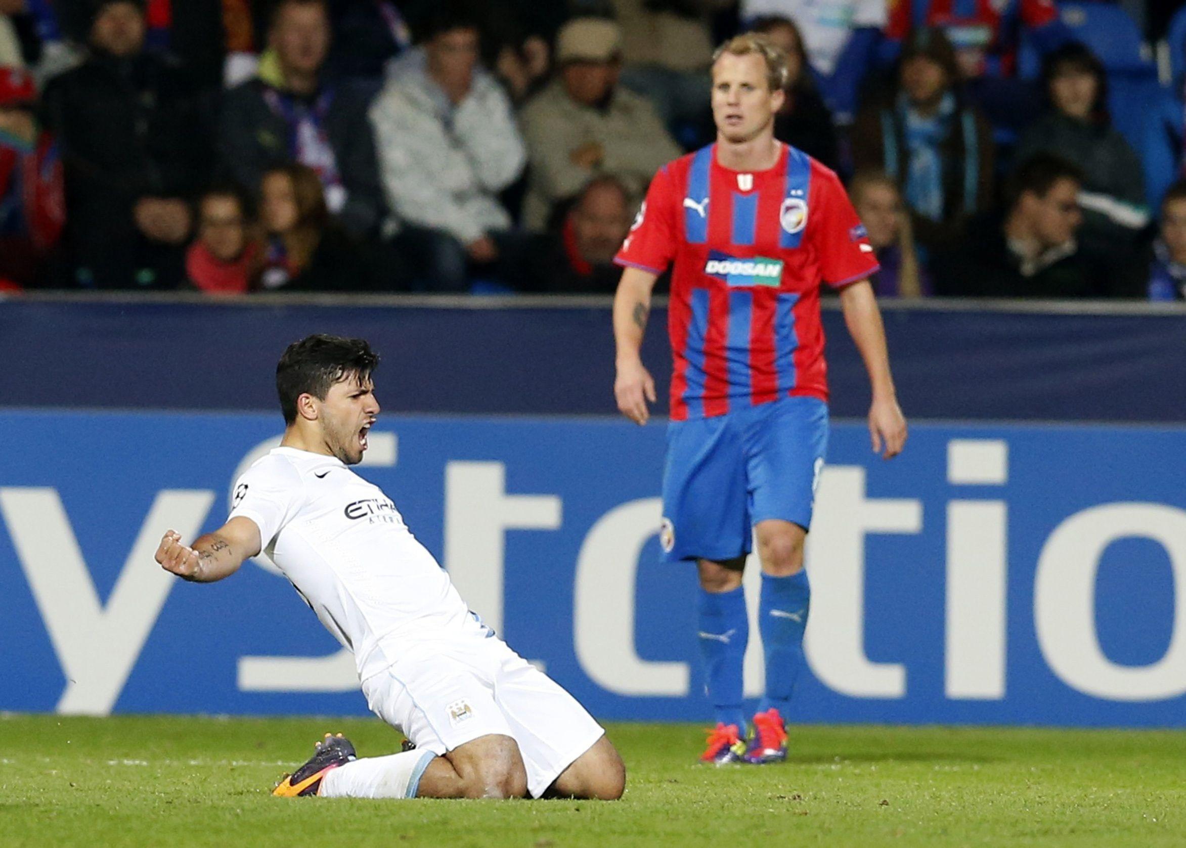 El Kun Aguero festejando su gol.