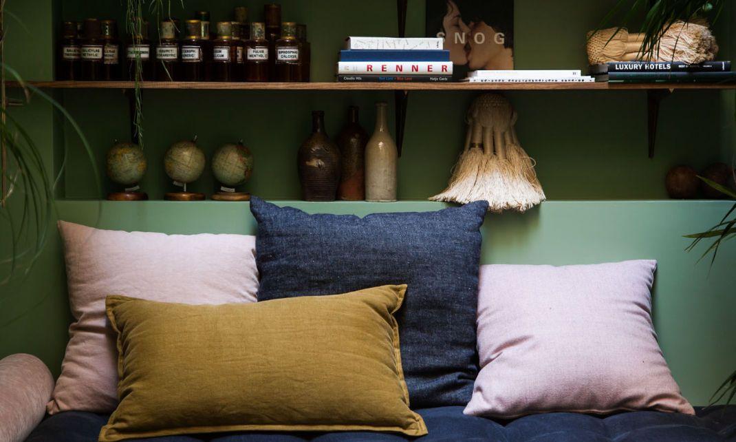 les 25 meilleures id es de la cat gorie coussin banquette sur pinterest bancs chambre. Black Bedroom Furniture Sets. Home Design Ideas