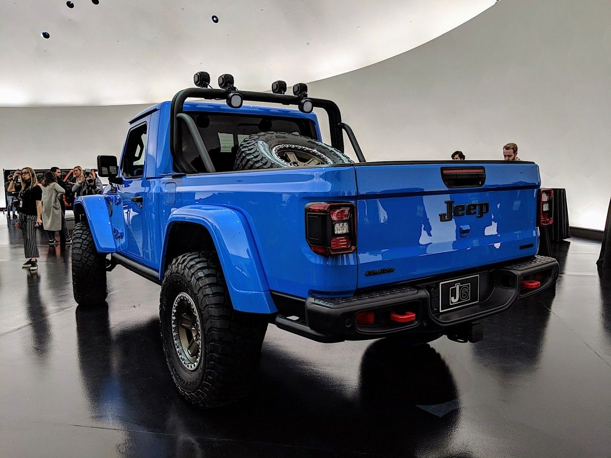 Jeep Gladiator Luxury A Two Door Jeep Gladiator Pickup