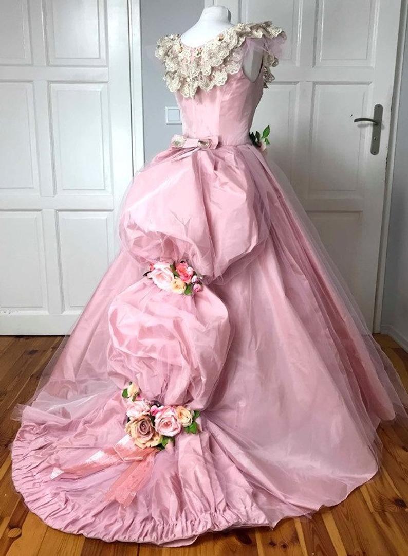 Phantom Of The Opera Pink Dress Christine Victorian Halloween Etsy In 2021 Pink Dress Dresses Victorian Halloween [ 1081 x 794 Pixel ]