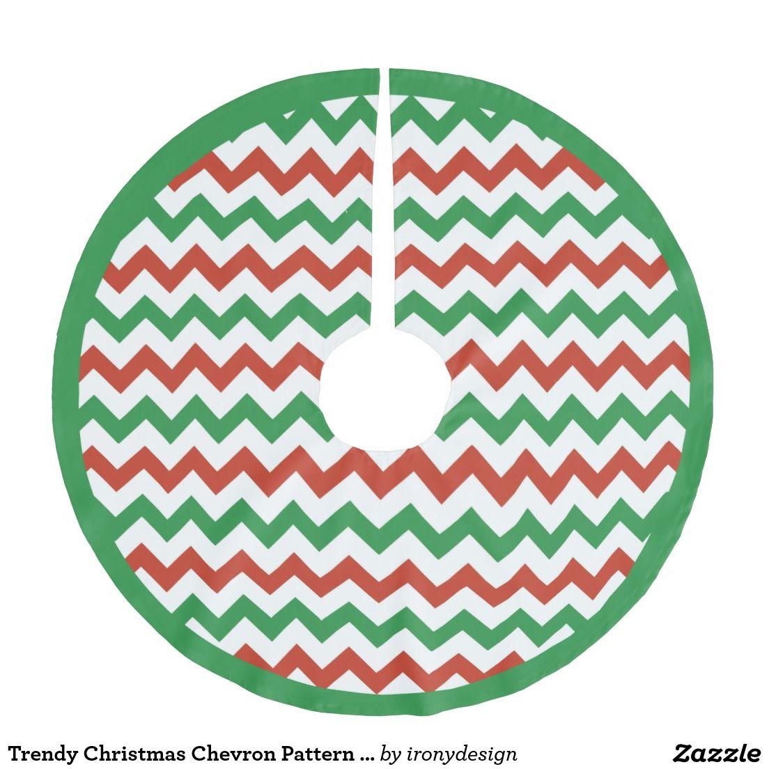 Trendy Christmas Chevron Pattern Green Trim Brushed Polyester Tree Skirt